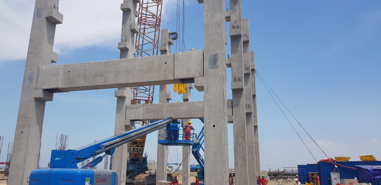 Erection Precast Pipe Rack of Long Son Petrochemical